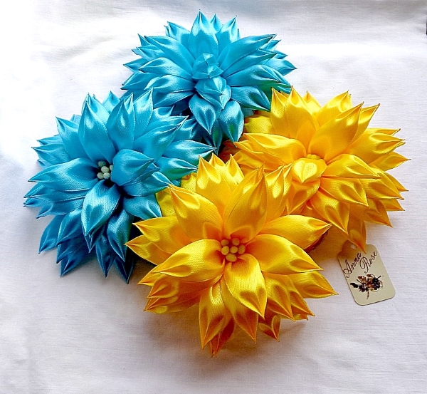 резинка для волос с цветком в технике канзаши - желтые и голубые - в интернет-магазине annarose.com.ua